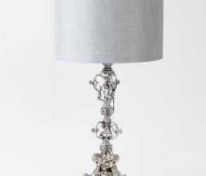 Lampe en fer blanc vintage 1970.
