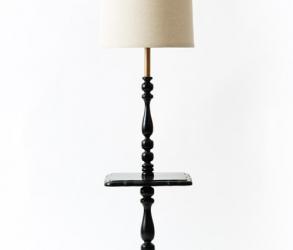 Lampe torchère noire de style colonial 1970